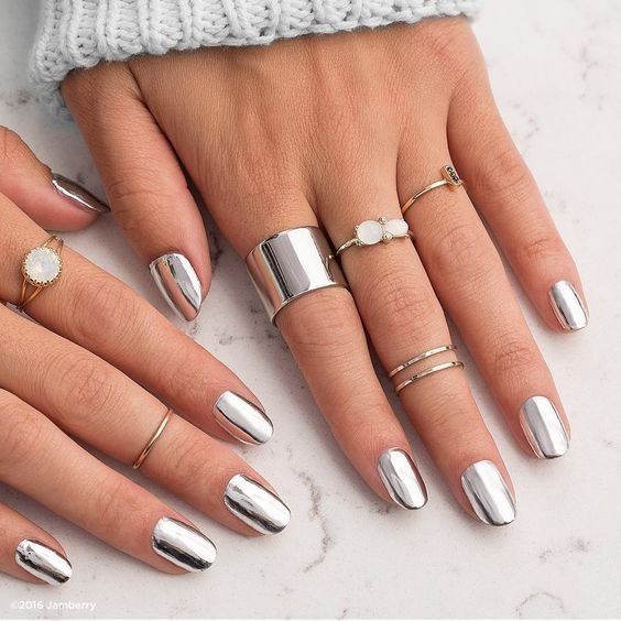 Mettalic Nail Art Ideas You Should Try For Summer'17