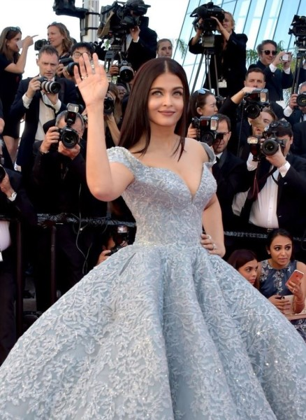 Amazing Looks From Red Carpet Cannes 2017 You'll Never Forget