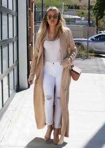 Neutral Color Street STyle