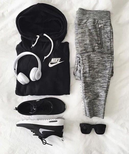 nike, sports pants, grey pants, grey sweatpants, nike sweater, black hoodie, sportswear, nike sneakers