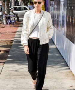 Kate Mara | 2017 Fall Outfit Ideas Inspired by Celebrities Street Style