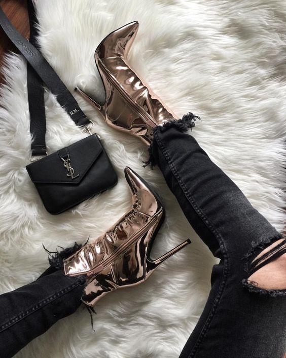 Metallic Boots via @_nathaliemartin