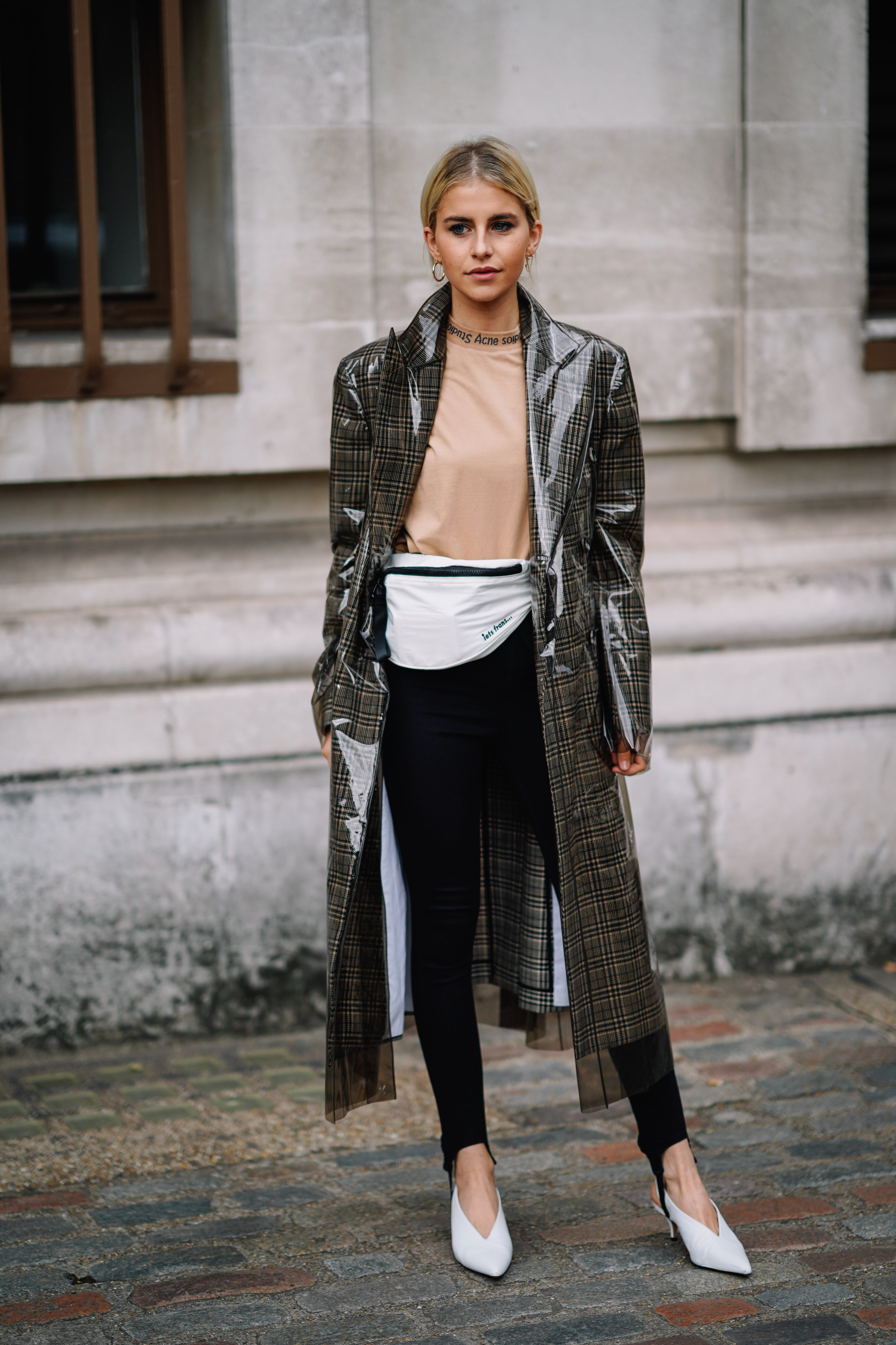 Fanny Pack Trend That Everyone Need To Try Again This Season