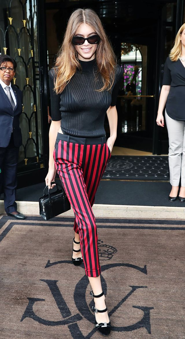 flattering pants and heels combination Kaia Gerber just wore in Paris.