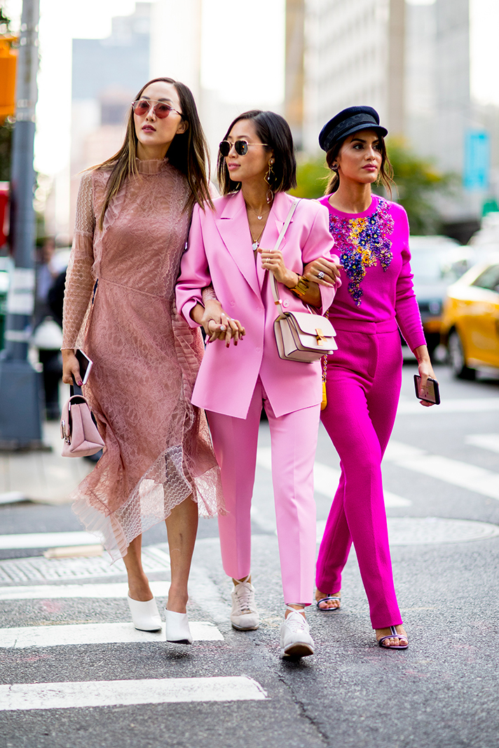 Street Style Looks From New York Fashion Week Spring 2018 Celebrity Fashion Outfit Trends And
