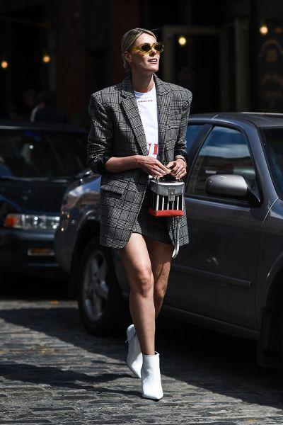 via New York Fashion Week Street Style Spring 2018