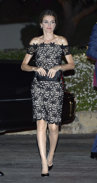 Princess Letizia looked breathtaking in an off-the-shoulder lace-overlay LBD during the United States-Spain Council Forum dinner.