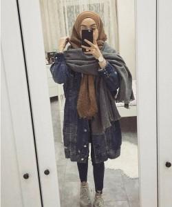 oversize-jean-jacket-with-hijab.