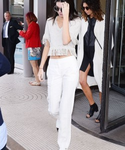 Kendall Jenner | Style Guide to Wear Slip On Sneakers in 2018 From Fashion Influencers