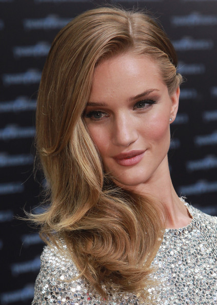 Rosie Huntington-Whiteley Pink Lipstick