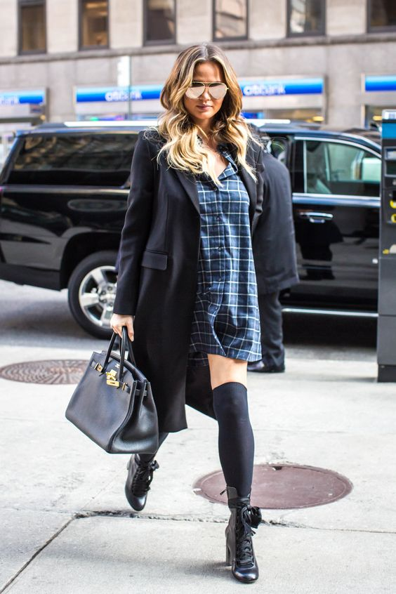 Chrissy Teigen Adds a Grunge Classic to Her Maternity Style