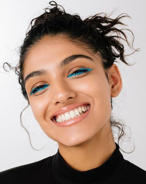 How to Get Perfect Eye Catching Colored-Eyeliner