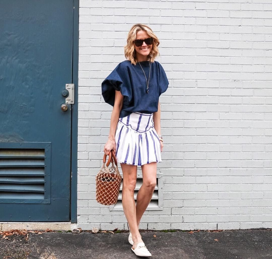 Puffed sleeves and striped mini, step out in navy and white spring style a la @lyndseyzorich