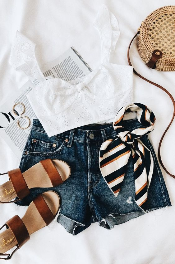 Vacation Day Outfit Ideas For This Summer