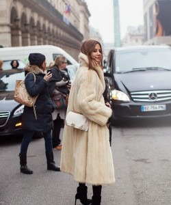 pearl mink long fur coat an dwhite bag