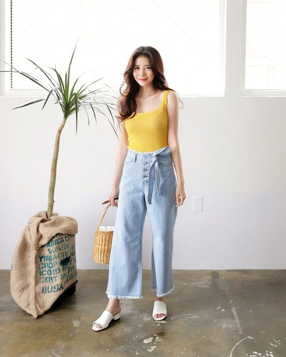 2019s Summer Outfit Color Yellow Trend Is Back
