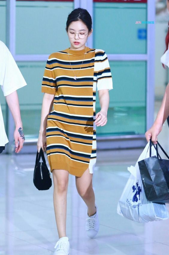 Jennie BlackPink Airport Fashion