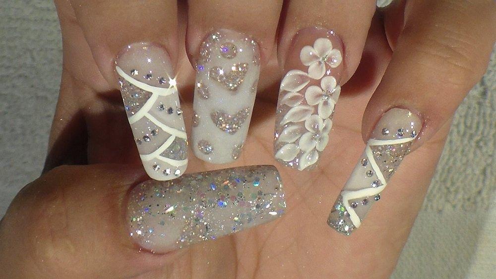 Silver Glitter Criss-Cross Nails