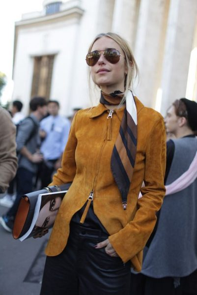 Elegant Ways to Style Your Outfit With Scarf
