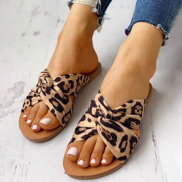 Crossover leopard print women's slippers