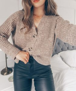 How to Style 2020's Cropped Knit Cardigan Trend