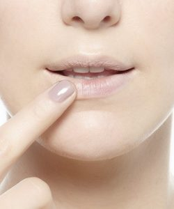 5 Steps How to Get Perfect Glossy Ombre Lips