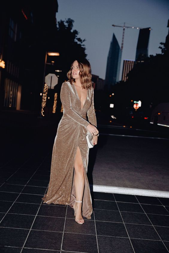 Elegant Maxi Dresses To Wear To Festive Holiday Party