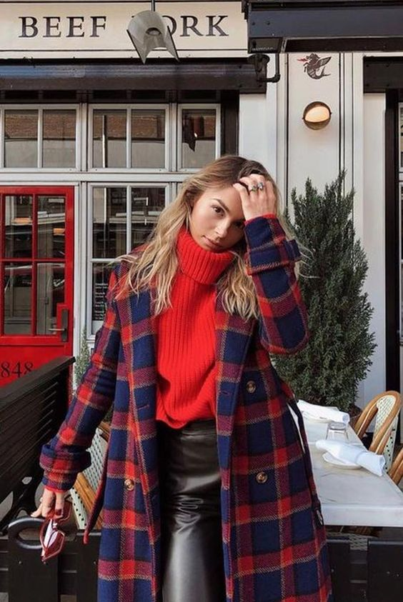 Long Plaid Coat Trend That Everyone Obsessed Right Now