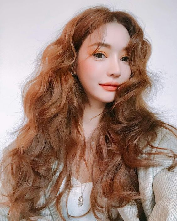 Trend Hairstyle For Spring- Natural Long Wavy!