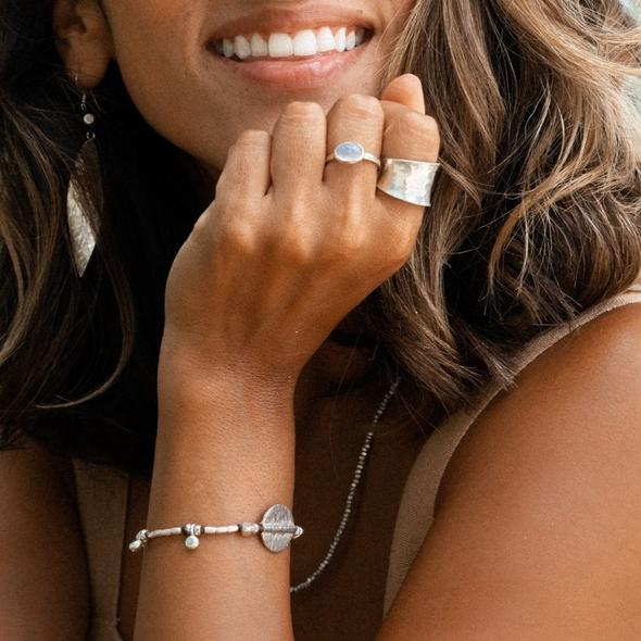 Tips to Coordinate Your Jewellery Pieces with Your Outfit