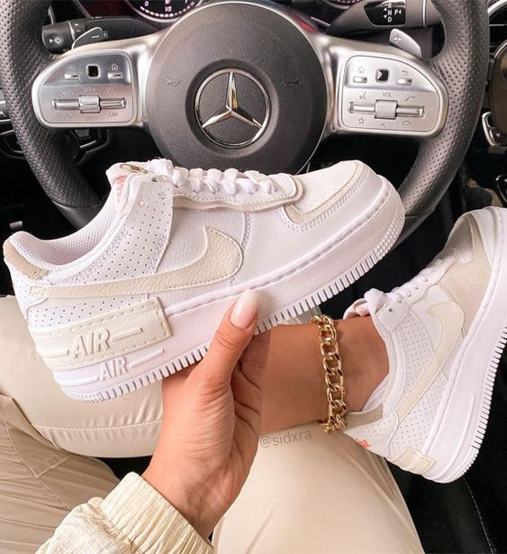 Ultimate Guide To Wear Sneakers For Spring Outfit 2021