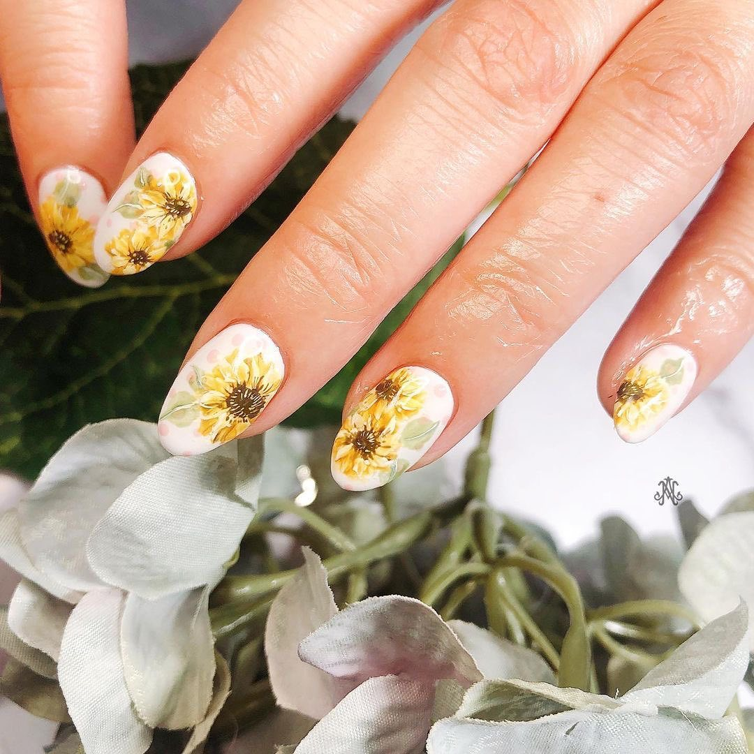 Super Lovely Spring Nail Art Ideas That You Need To Copy