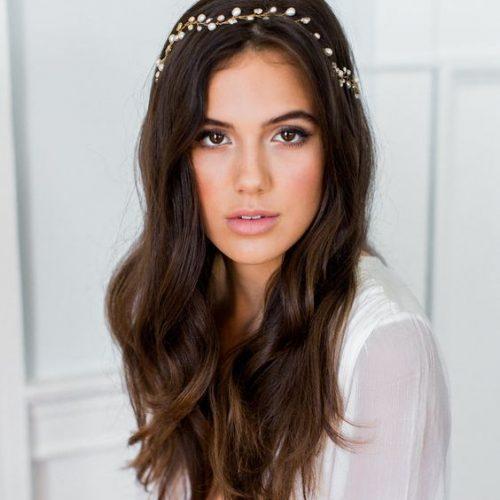 Minimalist Bride Hairstyle Look Ideas