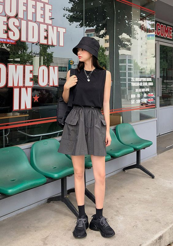 How to Style Bucket Hat For The Best Summer Outfit