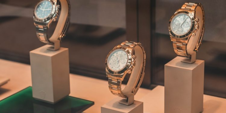 Antique & Vintage Watches: A Buying Guide